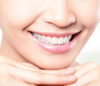Beautiful young woman teeth
